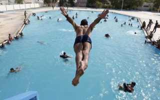 Как научиться нырять в бассейне