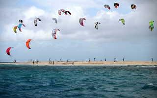 Как называется серфинг с парашютом