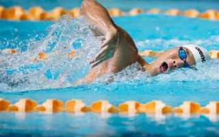 Как правильно дышать при плавании кролем
